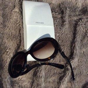 Prada SPR27NS trendy sunglasses. Used.